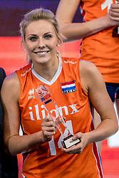 01-10-2017 AZE: Final CEV European Volleyball Nederland - Servie, Baku<br /> Nederland verliest opnieuw de finale op een EK. Servië was met 3-1 te sterk / Laura Dijkema #14 of Netherlands