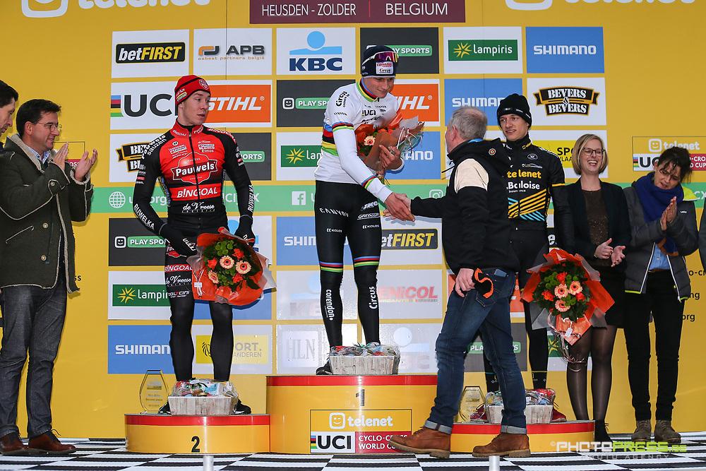 BELGIUM / BELGIE / BELGIQUE / HEUSDEN ZOLDER / CYCLOCROSS / CX / VELDRIJDEN / CYCLO CROSS / SEASON 2019-2020 / SEIZOEN 2019-2020 / TELENET UCI WORLD CUP #7 / WERELDBEKER / COUPE DU MONDE / MEN ELITE / PODIUM / CEREMONIE / HULDIGING / (L-R) LAURENS SWEECK (BEL - PAUWELS SAUZEN - BINGOAL) / MATHIEU VAN DER POEL (NED - CORENDON - CIRCUS) / QUINTEN HERMANS (BEL - TELENET - BALOISE LIONS) /