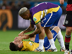 08.07.2014, Mineirao, Belo Horizonte, BRA, FIFA WM, Brasilien vs Deutschland, Halbfinale, im Bild Brazil's Oscar (bottom) is consoled by Dani Alves // during Semi Final match between Brasil and Germany of the FIFA Worldcup Brazil 2014 at the Mineirao in Belo Horizonte, Brazil on 2014/07/08. EXPA Pictures © 2014, PhotoCredit: EXPA/ Photoshot/ Qi Heng<br /> <br /> *****ATTENTION - for AUT, SLO, CRO, SRB, BIH, MAZ only*****