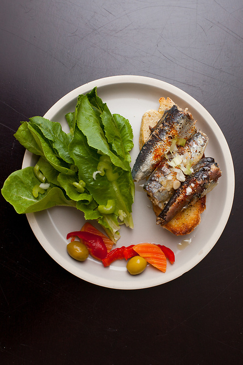 Sardines on sourdough toast from the fridge (m€) - COVID-19 Social Distancing in RI