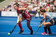 England's Shona McCallin. England v Argentina, Lee Valley Hockey and Tennis Centre, London, England on 10 June 2017. Photo: Simon Parker