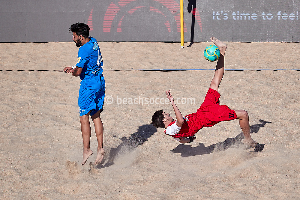 NAZARE, PORTUGAL - MAY 31: Joao Pedro Guerra Mota and of AD Buarcos 2017 and Tiago Marques Grilo of Atletico Licata BS during the Euro Winners Challenge Nazaré 2019 at Nazaré Beach on May 31, 2019 in Nazaré, Portugal. (Photo by Jose M. Alvarez)