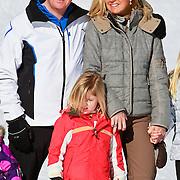 AUD/Lech/20110219 - Fotosessie Nederlandse Koninklijke Familie 2011 op wintersport in Lech, Willem Alexander en partner Maxima, kinderen, Alexia,