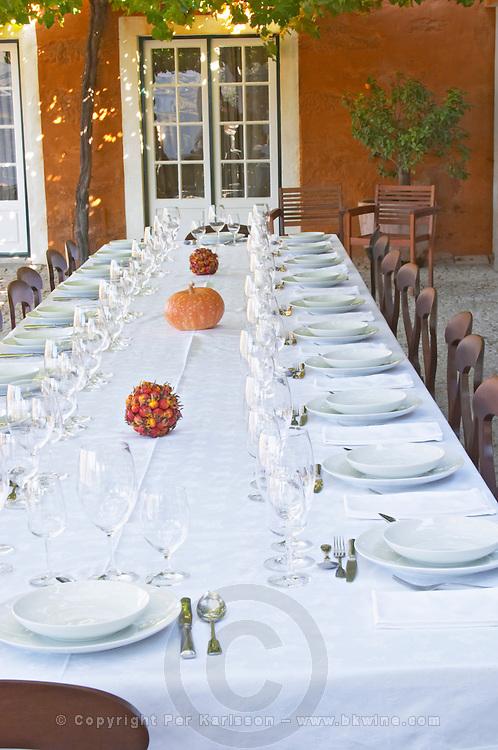 restaurant table quinta do vallado douro portugal