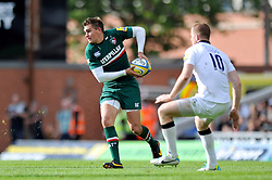 Leicester Tigers fly half Toby Flood in possession - Photo mandatory by-line: Patrick Khachfe/JMP - Tel: Mobile: 07966 386802 - 21/09/2013 - SPORT - RUGBY UNION - Welford Road Stadium - Leicester Tigers v Newcastle Falcons - Aviva Premiership.