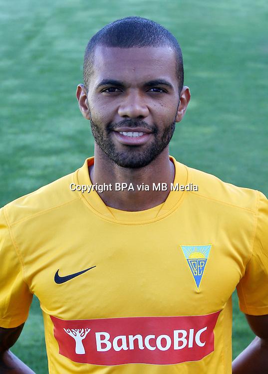 "Portugal - Primera Liga NOS 2015-2016 /  <br /> ( GD Estoril Praia ) - <br /> Gladestony Estevao Paulino da Silva "" Gladestony """