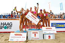20150830 NED: NK Beachvolleybal 2015, Scheveningen<br />Het podium bij de vrouwen, Bloem - Wesselink zilver, Remmers - Stiekema goud, Stubbe - Daalderop brons