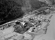 "4620 ""Willamette River at gas plant and St. Johns bridge. February 21, 1940."" DEQ Site ID 84, DEQ Site ID 183, Gasco, Wacker Siltronic site."