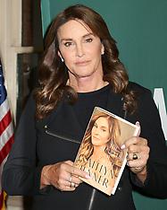 NY: Caitlynn Jenner Book Signing - 28 April 2017