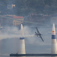 0708193844a Red Bull Air Race international air show qualifying runs over the river Danube, Budapest preceding the anniversary of Hungarian state foundation. Hungary. Sunday, 19. August 2007. ATTILA VOLGYI