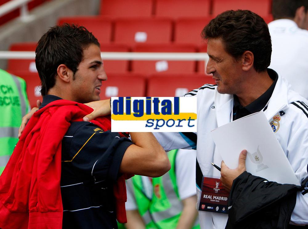 Photo: Richard Lane/Richard Lane Photography. Arsenal v Juventus. Emirates Cup. 02/08/2008. Arsenal's Cesc Fabregas chats to a Real Madrid coach before that game.