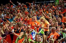 26-09-2015 NED: Volleyball European Championship Nederland - Slovenie, Apeldoorn<br /> Nederland wint vrij eenvoudig haar eerste wedstrijd op het EK met 3-0 van Slovenie /