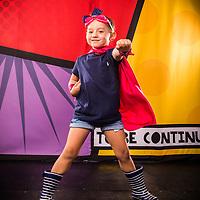 Isabella y Arturo Super Hero