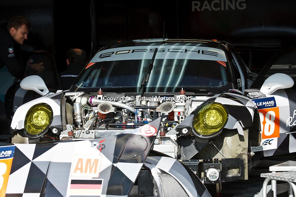 #88, Porsche 911 RSR, Abu Dhabi - Proton Racing, Khaled Al Qubaisi, Klaus Bachler, Christian Ried, Le Mans 24H, 2015 at Le Mans 24H, 2015
