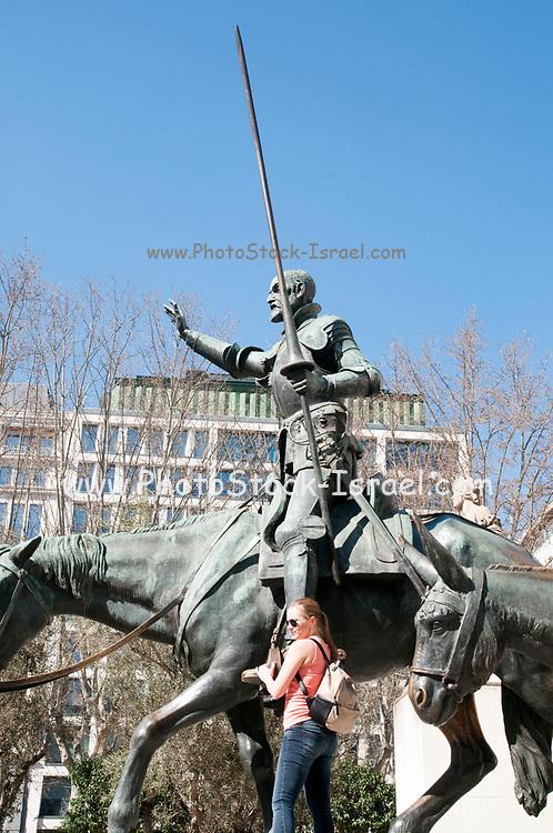 Statues of Don Quixote and Sancho Panza, Monument to Miguel de Cervantes, Plaza de Espa?a, Madrid, Spain