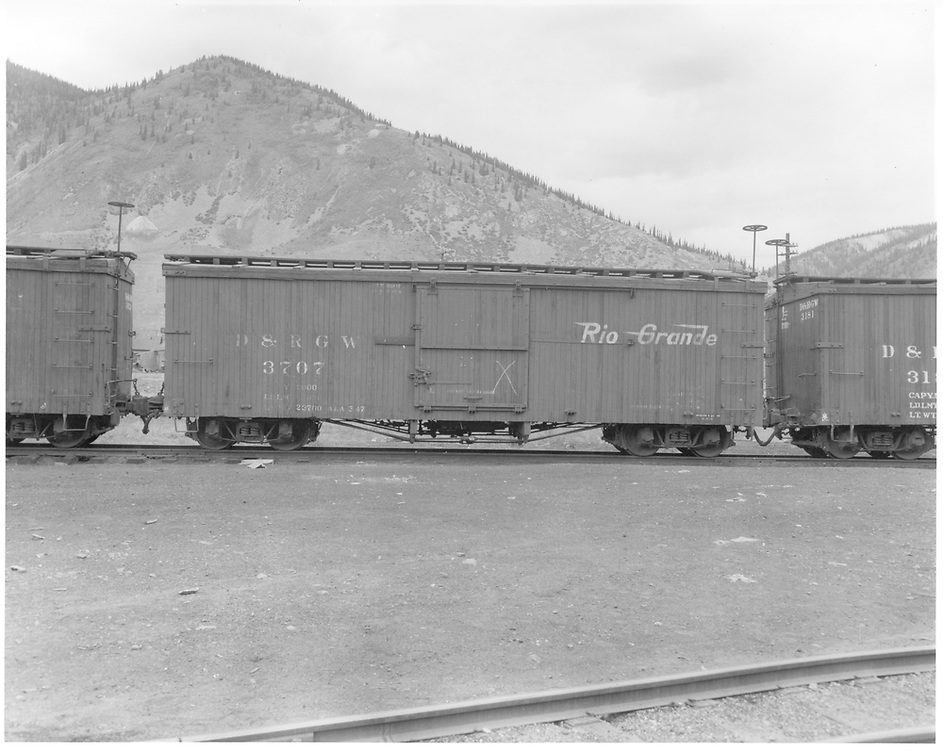 Side view of box car #3707.<br /> D&RGW