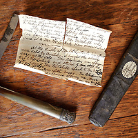 An 18th Century razor belonging to the poet Robert Burns is coming up for auction at Edinburgh auctioneers Lyon & Turnbull.