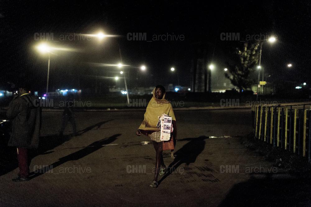 Commerciante ambulante, Addis Ababa 24 settembre 2014.  Christian Mantuano / OneShot