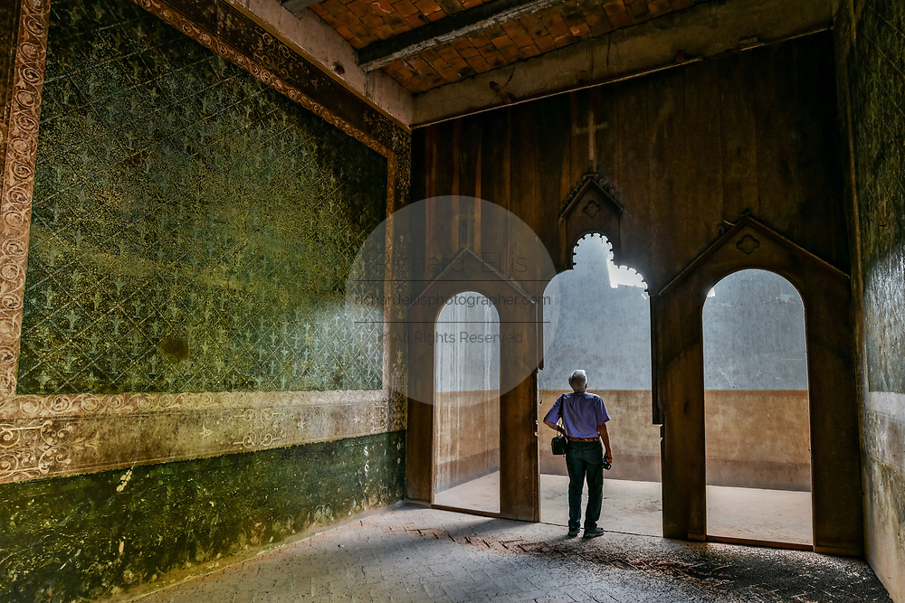 A derelict and crumbling room in the fading Hacienda de Jaral de Berrio in Jaral de Berrios, Guanajuato, Mexico. The abandoned Jaral de Berrio hacienda was once the largest in Mexico and housed over 6,000 people on the property and is credited with creating Mescal.