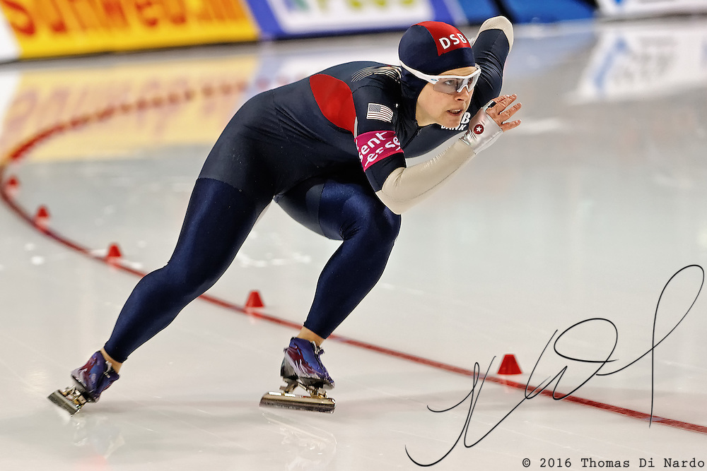 Elli Ochowicz (USA) competes in the 500m distance at the Essent ISU World Cup Speed Skating event held at the Utah Olympic Oval in Salt Lake City (USA) - March 6-7, 2009.