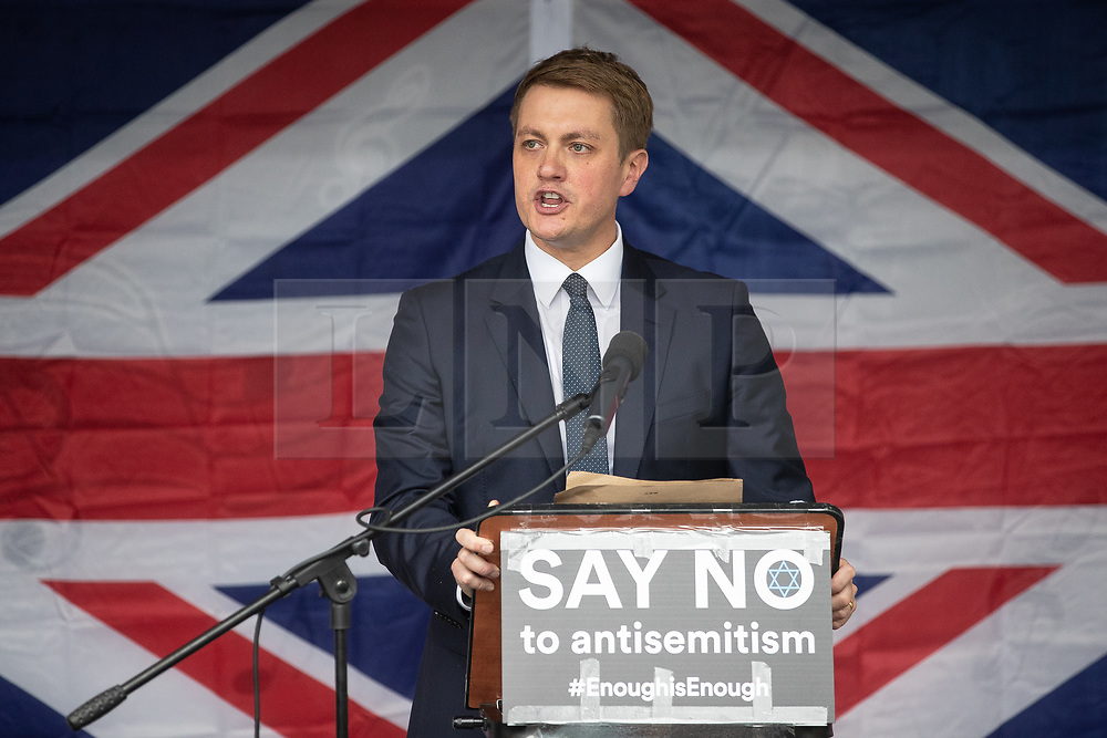 © Licensed to London News Pictures . 16/09/2018. Manchester, UK. JAMES FRITH MP for Bury North . Thousands of people including the UK's Chief Rabbi and several Members of Parliament attend a demonstration against rising anti-Semitism in British politics and society , at Cathedral Gardens in Manchester City Centre . Photo credit : Joel Goodman/LNP
