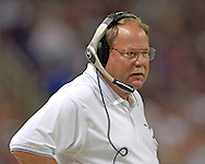 Seattle head coach Mike Holmgren during game action against St. Louis at the Edward Jones Dome in St. Louis, Missouri, October 9, 2005.  The Seahawks beat the Rams 37-31.