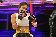 Boxen: Universum Fightnight, Superbantamgewicht,  Hamburg, 14.11.2020<br /> Intern. Deutsche Meisterschaft:  Fai Phannarai (GER, Boxen im Norden) - Kim ANgelina Jaeckel (GER)<br /> © Torsten Helmke