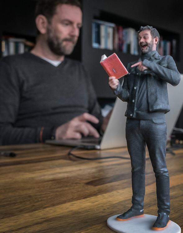 Netherlands. Amsterdam, 17-02-2017. Photo: Patrick Post.  Portret van Kluun, schrijver.  Raymondus Godefridus Norbertus (Raymond) van de Klundert (Tilburg, 17 april 1964) is een Nederlands schrijver