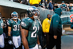 Philadelphia Eagles cornerback Joselio Hanson #21 enters the field the NFL game between the Denver Broncos and the Philadelphia Eagles on December 27th 2009. The Eagles won 30-27 at Lincoln Financial Field in Philadelphia, Pennsylvania. (Photo By Brian Garfinkel)