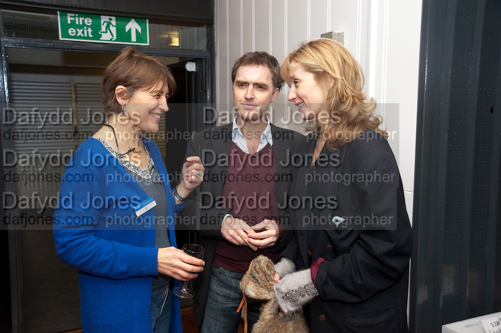 CAROLINE WALDEGRAVE; WILL FIENNES; ROS O' SHAUNNESS, First Story annual celebration event, Holland Park School, London. 15 November 2010. -DO NOT ARCHIVE-© Copyright Photograph by Dafydd Jones. 248 Clapham Rd. London SW9 0PZ. Tel 0207 820 0771. www.dafjones.com.