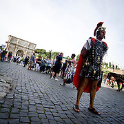 Comparse vestite da Centurione a Roma<br /> <br /> Actors with centurion dresses close at Coliseum in Rome