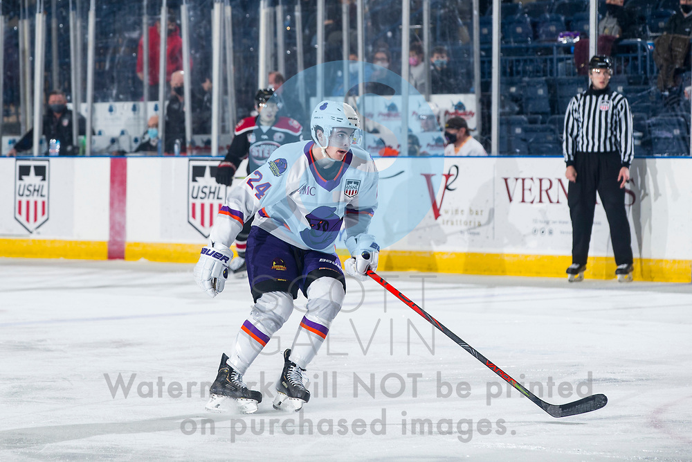 The Youngstown Phantoms defeat the Chicago Steel 5-2 at the Covelli Centre on January 23, 2021.<br /> <br /> Riley Duran, forward, 24