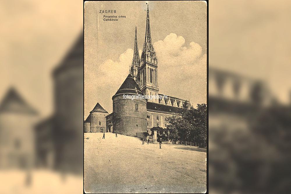 Zagreb : Prvostolna crkva = Cathédrale. <br /> <br /> ImpresumLeipzig : Dr. Trenkler & Co., 1906.<br /> Materijalni opis1 razglednica : tisak ; 13,8 x 8,8 cm.<br /> NakladnikDr. Trenkler Co.<br /> Mjesto izdavanjaLeipzig<br /> Vrstavizualna građa • razglednice<br /> ZbirkaGrafička zbirka NSK • Zbirka razglednica<br /> Formatimage/jpeg<br /> PredmetZagreb –– Kaptol<br /> Katedrala Uznesenja Marijina (Zagreb)<br /> SignaturaRZG-KAP-70<br /> Obuhvat(vremenski)20. stoljeće<br /> NapomenaRazglednica nije putovala.<br /> PravaJavno dobro<br /> Identifikatori000955641<br /> NBN.HRNBN: urn:nbn:hr:238:318364 <br /> <br /> Izvor: Digitalne zbirke Nacionalne i sveučilišne knjižnice u Zagrebu