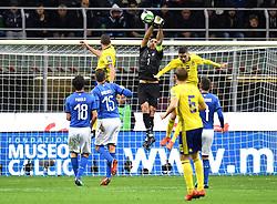November 13, 2017 - Milano, ITALIEN - 171113 Italiens mÃ¥lvakt Gianluigi Buffon boxar undan en boll under fotbollsmatchen i VM-kvalets play-off mellan Italien och Sverige den 13 november 2017 i Milano  (Credit Image: © Petter Arvidson/Bildbyran via ZUMA Wire)