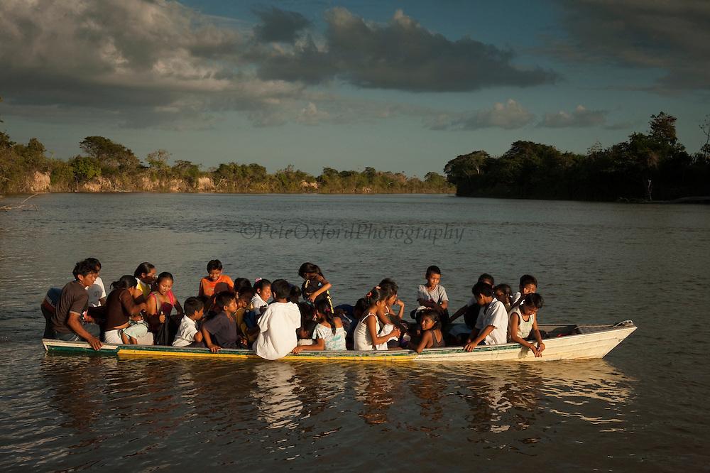 Amerindian School Children<br /> Rupununi River<br /> Rupununi<br /> GUYANA<br /> South America