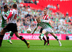 Yeovil Town's Paddy Madden opens the scoring for Yeovil Town in the League 1 Play Off Final - Photo mandatory by-line: Dougie Allward/JMP - Tel: Mobile: 07966 386802 19/05/2013 - SPORT - FOOTBALL - LEAGUE 1 - PLAY OFF - FINAL - Wembley Stadium - London - Brentford V Yeovil Town
