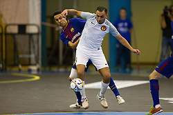 November 22, 2017 - Pescara, PE, Italy - Sofian El Adel of 't Knooppunt compete for the ball with Jess Nazaret Aicardo of FC Barcelona during the Elite Round of UEFA Futsal Cup 17/18 match between FC Barcelona and ZVV 'T Knoppount at Giovanni Paolo II arena on November 22, 2017 in Pescara, Italy. (Credit Image: © Danilo Di Giovanni/NurPhoto via ZUMA Press)