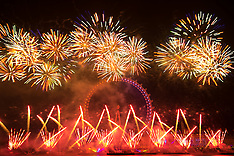 2017-01-01 Fireworks welcome London's New Year