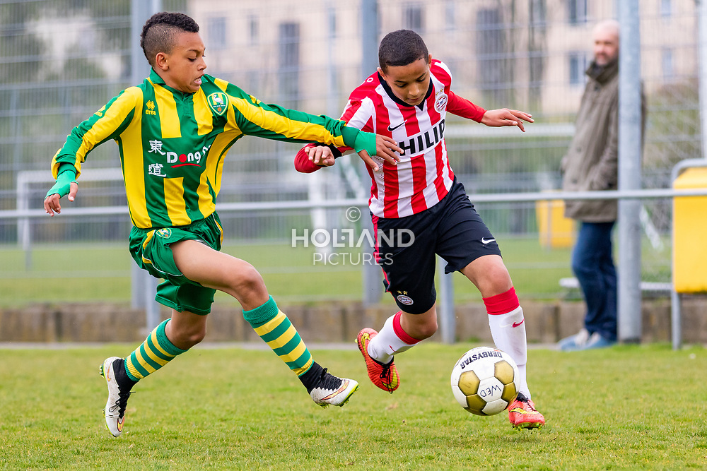 25-04-2015: Voetbal: u14 ADO Den Haag v PSV: Den Haag<br /> Eredivisie - Seizoen 2014-2015<br /> (R) Mohamed Ihattaren (PSV)