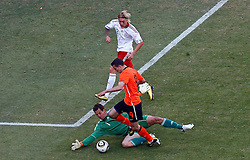 14-06-2010 VOETBAL: FIFA WORLDCUP 2010 NEDERLAND - DENEMARKEN: JOHANNESBURG<br /> Robin Van Persie <br /> ©2010-FRH- NPH/  Mark Atkins (Netherlands only)