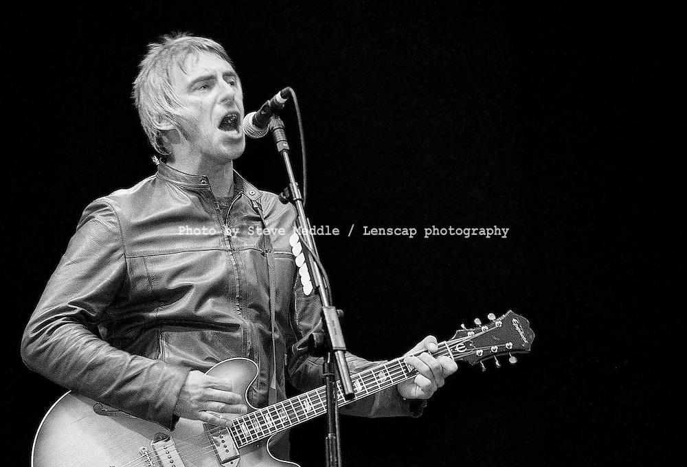 Paul Weller / V Festival 2000, Hylands Park, Chelmsford, Essex, Britain - August 2000.
