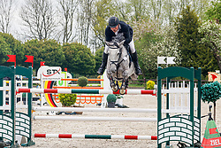 09.2, Youngster-Springprfg. Kl. M** 8j. Pferde,Ehlersdorf, Reitanlage Jörg Naeve, 13.05. - 16.05.2021, Jan Philipp Schultz (GER), Salzlinde,