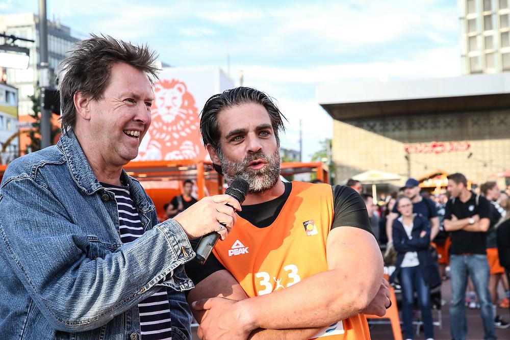 Basketball: ING-DiBa German Championship 3x3, Deutsche Meisterschaft, Hamburg, 05.08.2017<br /> Charity-Spiel: Schauspieler Carsten Spengemann im Interview mit Lou Richter<br /> (c) Torsten Helmke