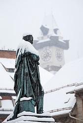 07.02.2018, Innenstadt, Graz, AUT, Schnee in Graz, im Bild die eingeschneite Statue des Erzherzog Johann Brunnens vor dem Uhrturm am 7. Februar 2018, EXPA Pictures © 2018, PhotoCredit: EXPA/ Erwin Scheriau