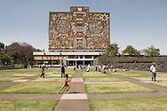 Mexico city, UNAM: The National Autonomous University of Mexico        Città del Messico, UNAM: polo universitario dell' UNAM
