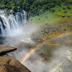 Arco Íris nas Quedas de Calandula (Kalandula) ex Duque de Bragança, no rio Lucala que é o maior afluente do rio Cuanza (Kwanza). Província de Malanje, Angola