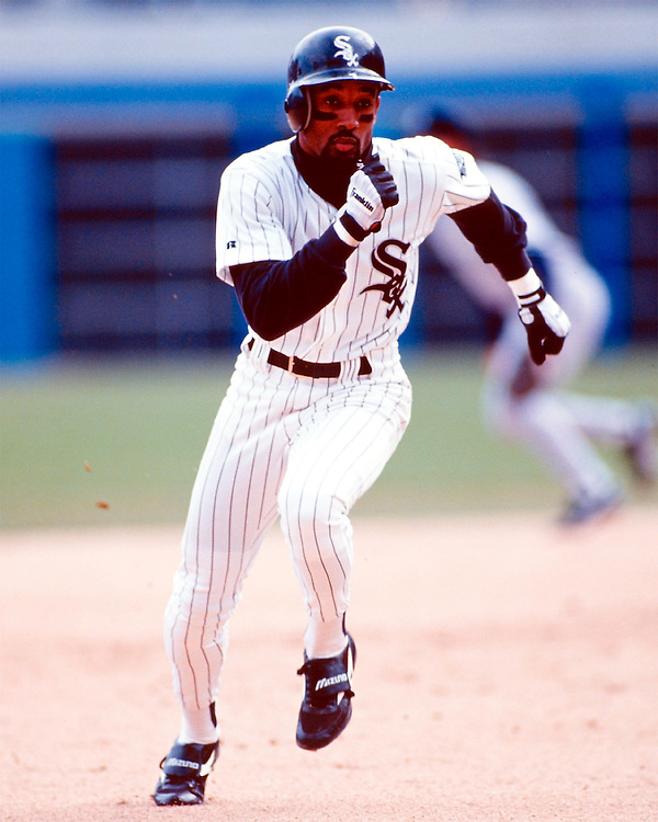 CHICAGO - UNDATED: Lance Johnson #1 of the Chicago White Sox runs the bases in an MLB game at Comiskey Park in Chicago, Illinois.  (Photo by Ron Vesely)