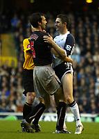 Photo: Chris Ratcliffe.<br />Tottenham Hotspur v Sunderland. The Barclays Premiership. 03/12/2005.<br />Robbie Keane (R) of Spurs has an altercation with Gary Breen