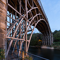 25/04/17 Ironbridge , Shropshire - IRONBRIDGE - The Iron Bridge is a bridge that crosses the River Severn in Shropshire, England. Opened in 1781, it was the first major bridge in the world to be made of cast iron, and was greatly celebrated after construction owing to its use of the new material.[1]