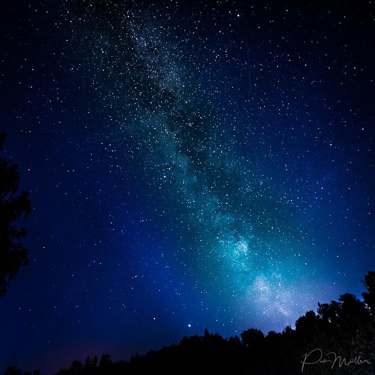 SKÄLMERSHULT 2020-07-19<br />  <br /> Vintergatan över Möllesjön, Skälmershult<br /> <br /> Foto: Peo Möller<br /> <br /> natthimmel, komet, natt,Vintergatan, astronomi